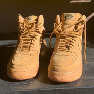 Nike Air Force 1 suede